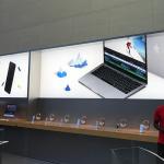 Apple 表参道ではAirPodsの姿がポスターから消えていた