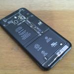 iPhone X「内部が透けて見える壁紙」iFixitが公開